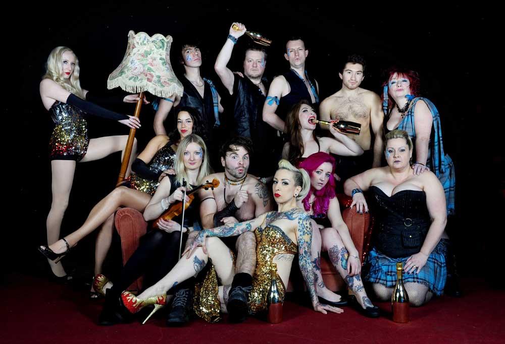 Le Haggis Show Stars & Band